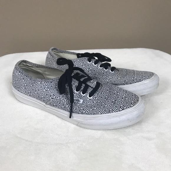 Vans Shoes - Vans off-the-wall black white sneakers 766114026